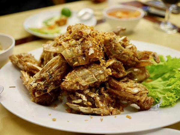Moom Aroi Seafood Restaurant12