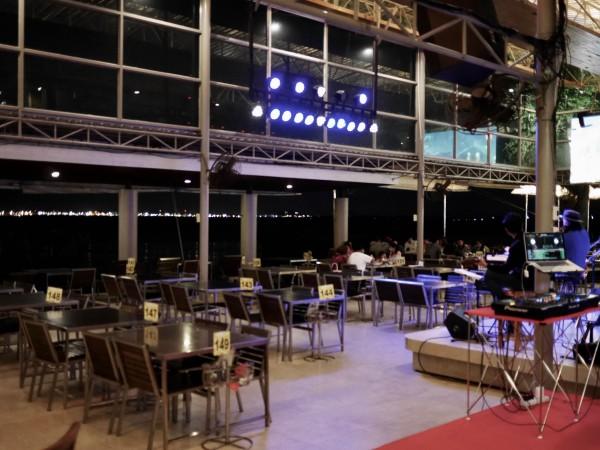 Moom Aroi Seafood Restaurant14