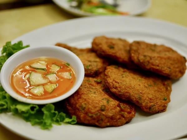 Moom Aroi Seafood Restaurant5